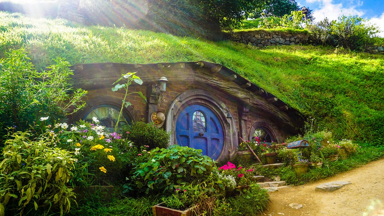 Places I Want To Visit - Hobbit House in New Zealand